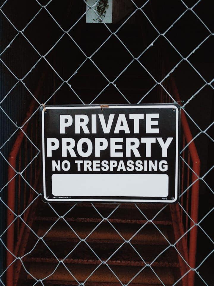 Sinal de alerta para evitar roubo em residências